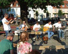 d2830e482c-130806 Kyritz_Konzert manifest_Gruppe3